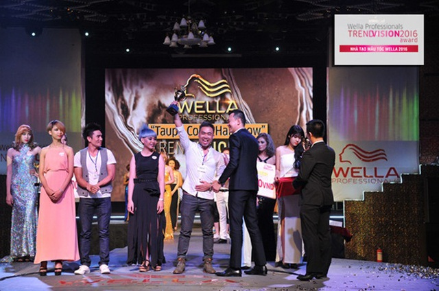 """NTM tóc Huy Việt đoạt giải vàng """"Taupe Color Hairshow 2016"""" do Wella Vietnam tổ chức."""