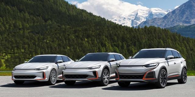 Công ty Trung Quốc photoshop xe Outlander làm ảnh sản phẩm mới - 1