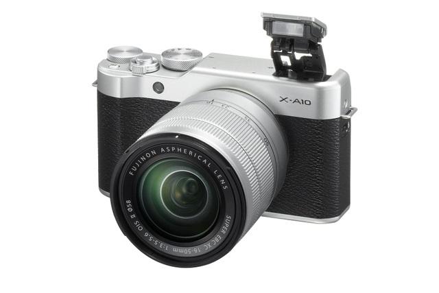 X-A10 là chiếc máy ảnh không gương lật rẻ nhất cho đến thời điểm này của Fujifilm.