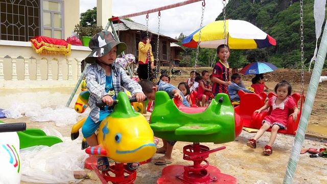 Tưng bừng ngày hội khánh thành công trình phòng học Dân trí thứ 7 tại Yên Bái - 20