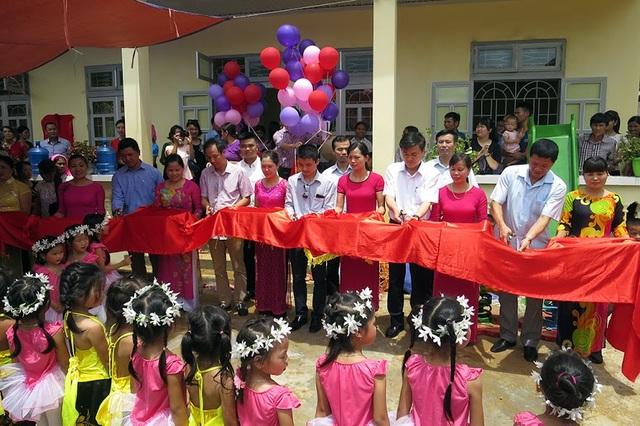 Tưng bừng ngày hội khánh thành công trình phòng học Dân trí thứ 7 tại Yên Bái - 15