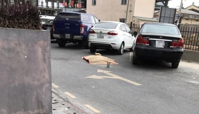 Hiện trường vụ người đàn ông nước ngoài rơi từ tầng 16 chung cư tử vong.