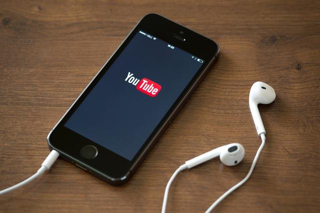 Mẹo giúp bạn vừa phát video YouTube, vừa làm việc đa nhiệm trên Android và iOS - 1