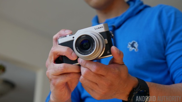 Máy ảnh không gương lật Panasonic Lumix GX850