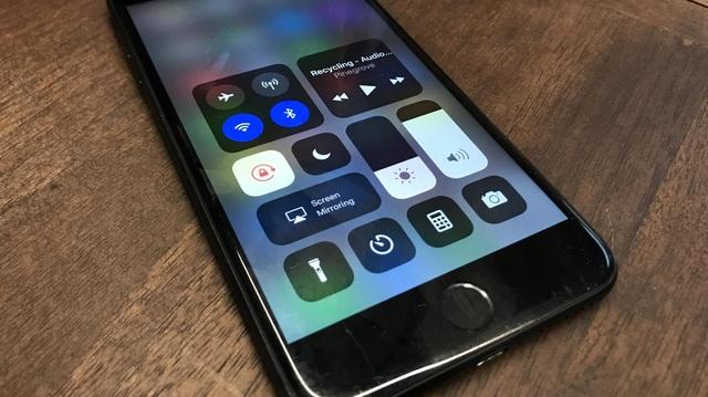 Giao diện mới thanh trình đơn Control Center trên iOS 11