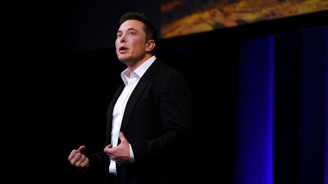 Elon Musk trình bày kế hoạch đưa con người đặt chân lên sao Hỏa.