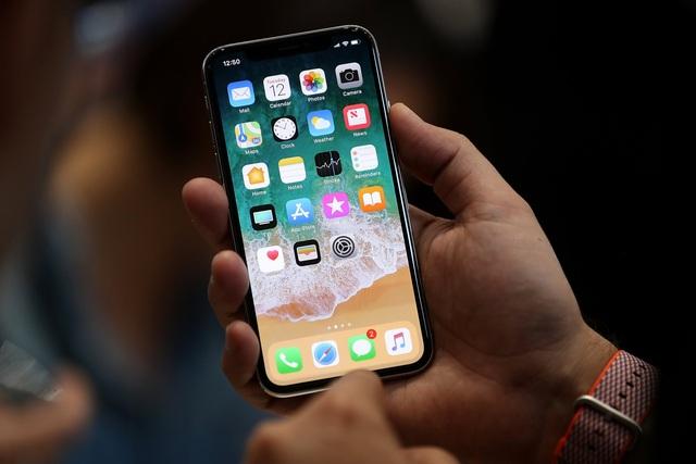 """Apple """"chơi ngông"""": Chuẩn bị bán nhưng iPhone X còn chưa được sản xuất - 1"""
