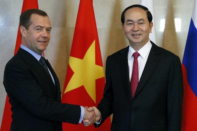 Vào buổi trưa cùng ngày, Chủ tịch nước Trần Đại Quang đã hội kiến với Thủ tướng Nga Dmitry Medvedev (Ảnh: AFP)