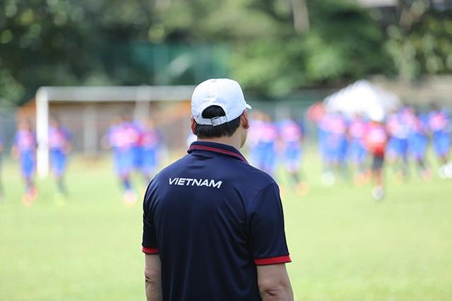 U22 Việt Nam chịu sự giám sát chặt chẽ của cán bộ an ninh