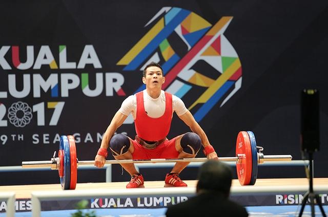 Tuy nhiên, Kim Tuấn đã giải tỏa áp lực và giành HCV vởi tổng cử 269kg