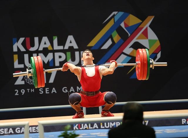 Thạch Kim Tuấn đã thành công ở lần cử giật đầu tiên với 120kg