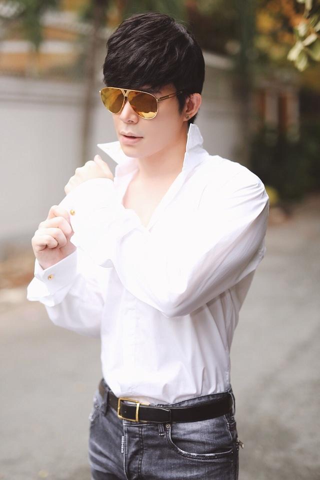 Nathan Lee tiết lộ gu phối chemise trắng ấn tượng - 3