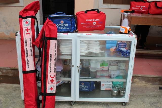 Tại buổi ra mắt sáng 29/3, điểm sơ cấp cứu đã tiếp nhận hỗ trợ một số thiết bị y tế như: cáng cứu thương, bộ nẹp, túi sơ cấp cứu, vật tư y tế tiêu hao...