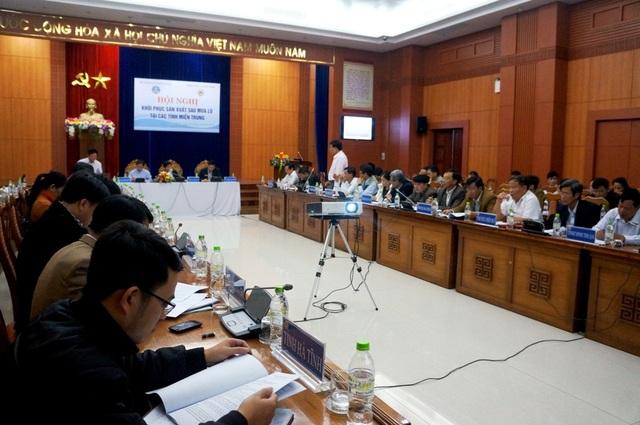 Bộ NN&PTNT làm việc với các tỉnh, thành miền Trung để khôi phục sản xuất sau lũ