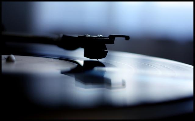 Hơn 3,2 triệu đĩa than đã được bán ra tại Anh trong năm qua, tăng 53% so với năm 2015 và là năm đĩa than bán chạy nhất kể từ thời điểm 1991.