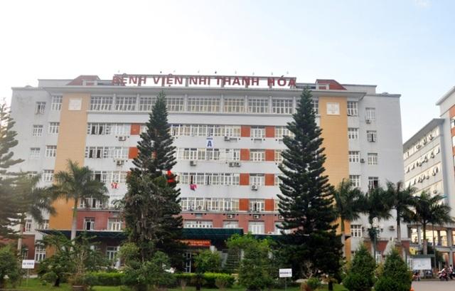 Hiện bệnh viện Nhi Thanh Hóa đang điều trị nội trú cho gần 500 bệnh nhân, tăng gần gấp đôi so với thời điểm trước và trong Tết.