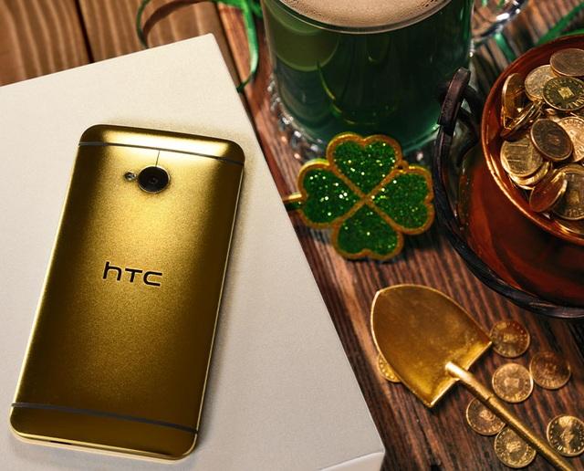 """HTC """"cho không"""" phiên bản bọc vàng 24k của smartphone cách đây 4 năm - 1"""