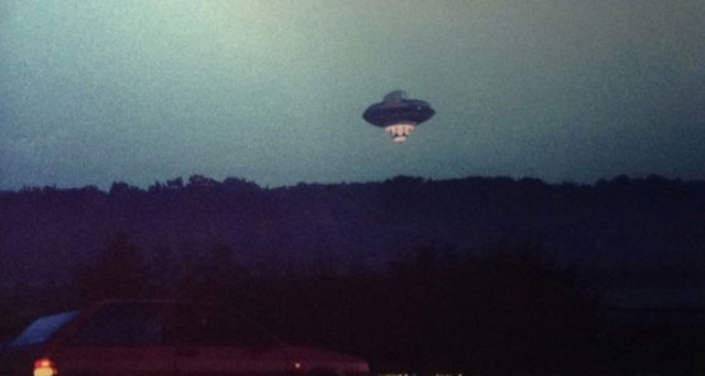 """Sinh vật ngoài hành tinh trong phim """"E.T."""" từng đáp xuống trái đất - 1"""