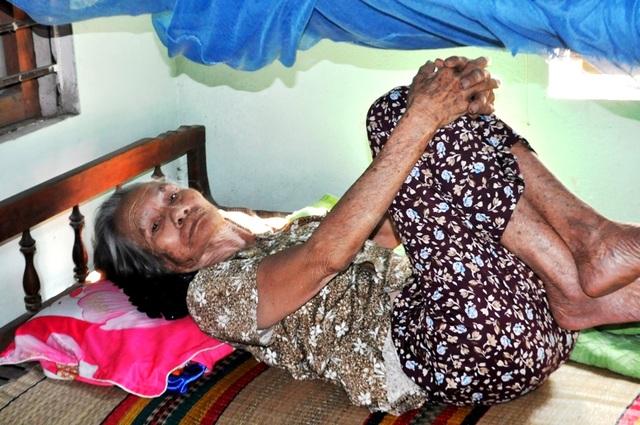 Mẹ ông Hà Đức Anh nay đã ngoài 80 tuổi, sức khỏe suy yếu và đi lại khó khăn