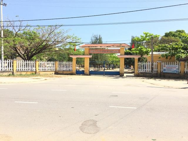 Trường THCS Dũng Sĩ Điện Ngọc, nơi phát hiện 17 em học sinh hút shisha