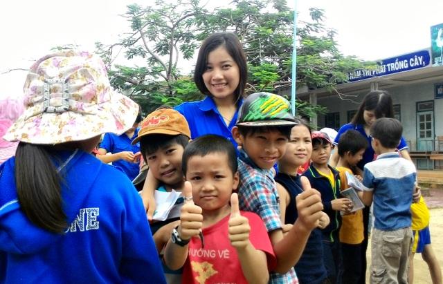 Có nhiều thành tích xuất sắc trong học tập và công tác xã hội, Phương đã đạt giải thưởng Sao tháng Giêng của Trung ương Hội Sinh viên Việt Nam từ năm 2015