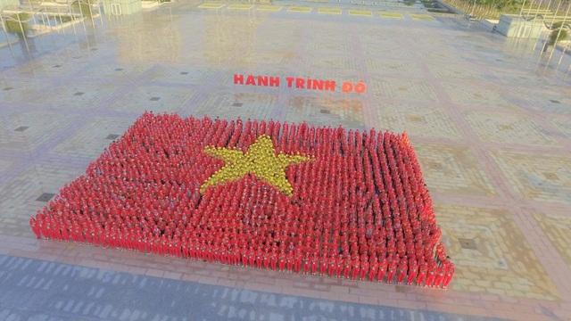 Sau 35 ngày xuyên Việt, 2 đoàn Hành trình đỏ sẽ hội quân về quảng trường Ba Đình trong ngày hội Giọt hồng tri ân