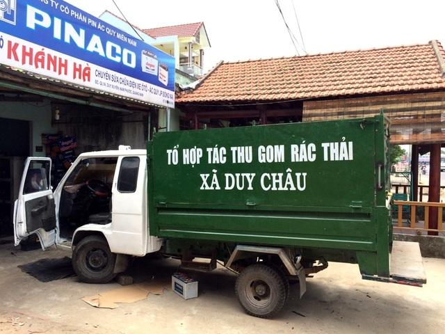 Xe thu gom rác thải ở xã Duy Châu do tư nhân mua sắm