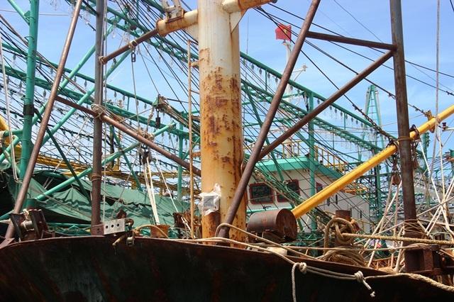 Tàu vỏ thép ngư dân Bình Định vừa đưa vào sử dụng chưa đầy 1 năm đã xuống cấp nghiêm trọng
