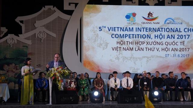 Ban tổ chức công bố các đội đạt giải