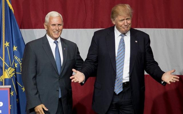 Tổng thống Donald Trump (phải) và Phó tổng thống Mike Pence trong cuộc vận động tranh cử hồi năm ngoái. (Ảnh: Abcnews)