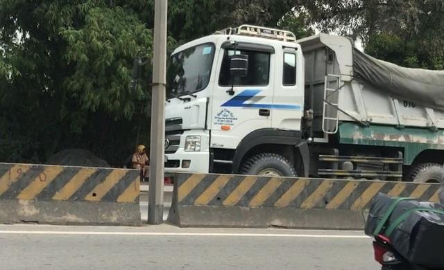 Hàng loạt xe có dấu hiệu thay đổi kết cấu thùng, chở quá tải...