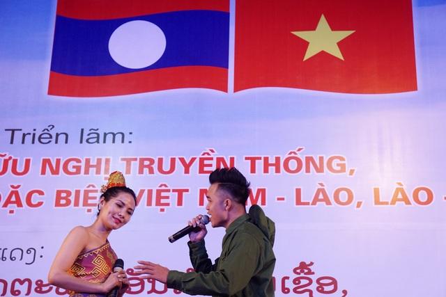 Triển lãm do Văn phòng Trung ương Đảng Cộng sản Việt Nam phối hợp với Bộ Văn hóa, Thể thao và Du Lịch tổ chức.