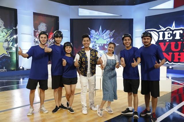 """Ốc Thanh Vân và Nguyên Khang """"tấn công"""" sóng truyền hình bằng Biệt đội vui nhộn - 2"""