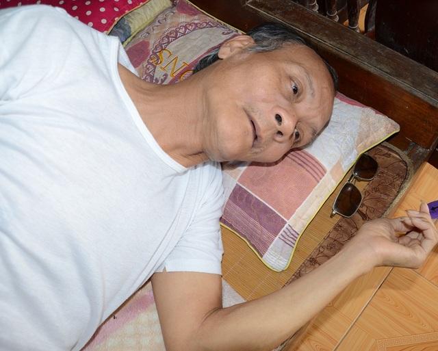 Anh Đào Đình Phương (55 tuổi), bị mắc đái tháo đường, do không được thường xuyên chữa trị nên bệnh đã đến giai đoạn biến chứng nguy hiểm