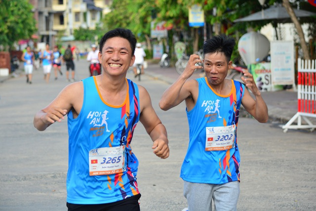 Các VĐV tranh tài tại giải Marathon quốc tế Hội An 2017