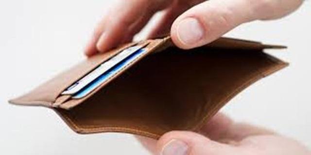 Công an quận Thủ Đức, TPHCM đang điều tra nghi án một luật sư báo mất hơn 350 triệu bỏ trong ví tại nhà vệ sinh quán nhậu trên địa bàn. Ảnh minh họa.