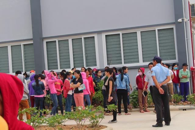 Hơn 500 công nhân Công ty TNHH MTV U World Sports Việt Nam đồng loạt đình công đòi quyền lợi