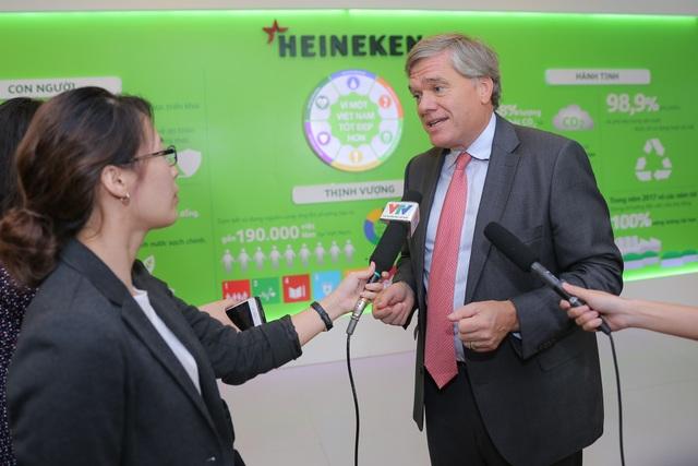 Tổng giám đốc HEINEKEN Vietnam Leo Evers trả lời phỏng vấn