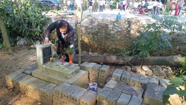 """Hòa Bình: Tháo dỡ nhà dân, tháo dỡ cả """"mộ gió"""" liệt sỹ, chính quyền bị phản đối - 3"""