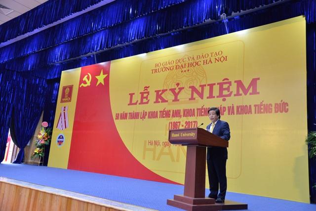 Hiệu trưởng trường ĐH Hà Nội PGS.TSKH Nguyễn Đình Luận