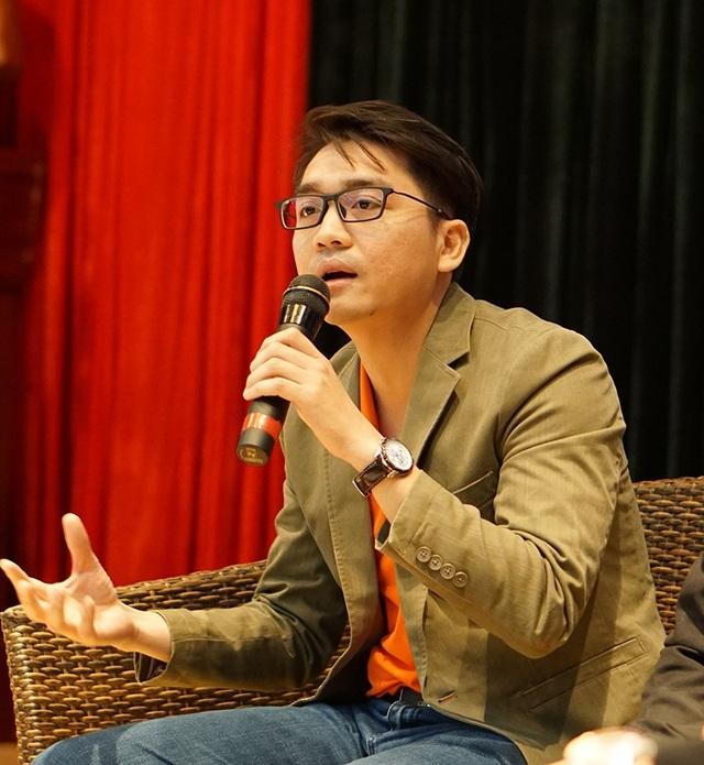 Nguyễn Hoàng Hải trong buổi trò chuyện với sinh viên HV Bưu chính Viễn thông
