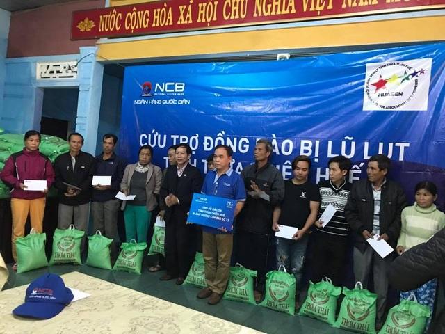 NCB hỗ trợ người dân bị thiệt hại sau mưa lũ tại tỉnh Thừa Thiên Huế - 1