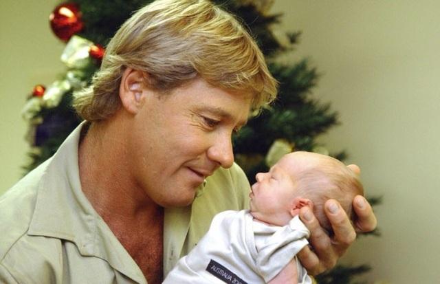 Steve Irwin, một người làm trong lĩnh vực bảo tồn động vật và trông coi sở thú qua đời vào năm 2006 trong lúc tác nghiệp, nhưng niềm đam mê thiên nhiên của ông dường như đã được truyền lại cho cậu con trai Robert.