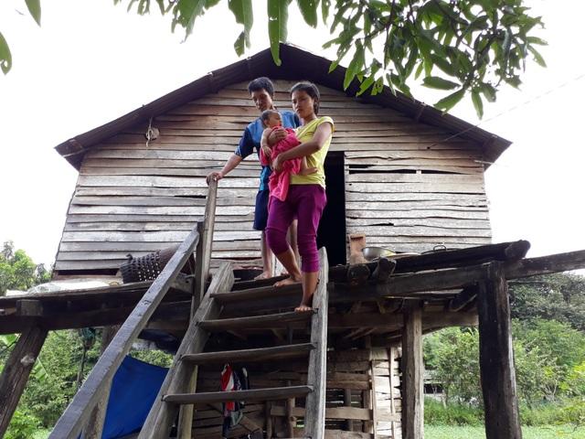 Nhà anh Rmah Yi (thôn Ama H'Lăk, xã Chư Mố) không còn gì giá trị để bán trả nợ.