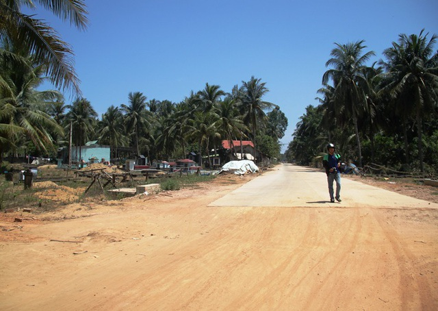 UBND xã Mỹ Phòng (huyện Phù Mỹ, Bình Định) bắt dân nộp tiền làm đường mới chứng giấy khai sinh (ảnh minh họa).