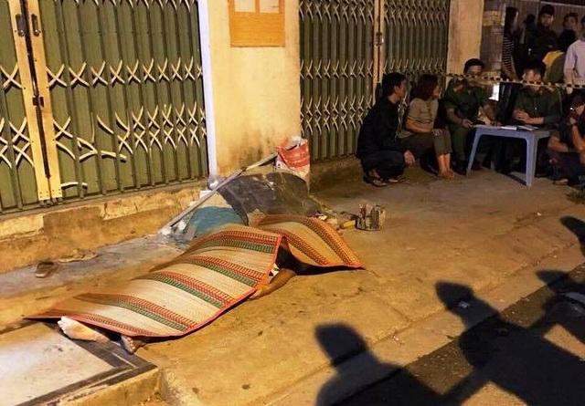 Người đàn ông bất ngờ gục chết trên vỉa hè giữa trời lạnh ở TPHCM.
