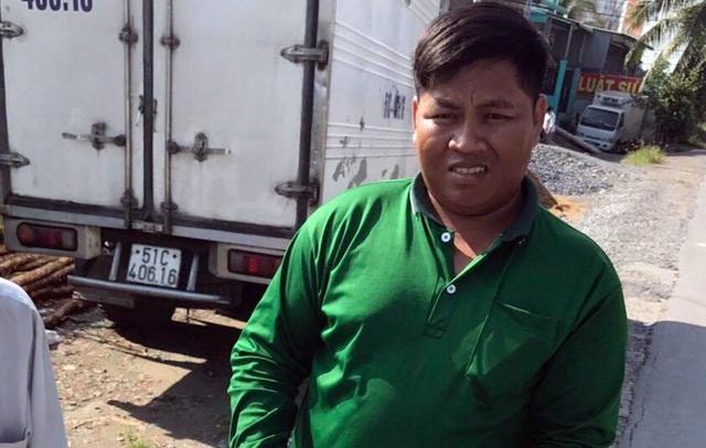 Chau Sum nhận quyết định đình chỉ vụ án.