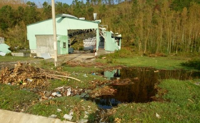 Nhà kho nơi phát lộ hoá chất sau bão