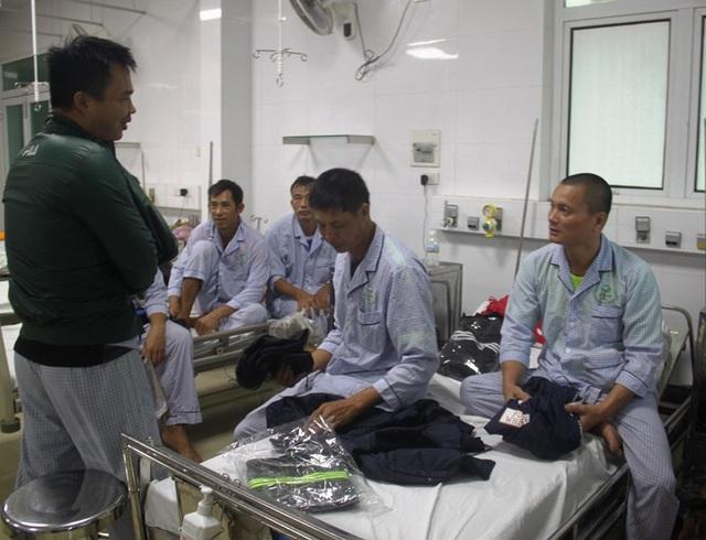 Có 74 thuyền viên bị nạn may mắn được cứu sống, còn 25 thuyền viên vẫn chưa biết tung tích.