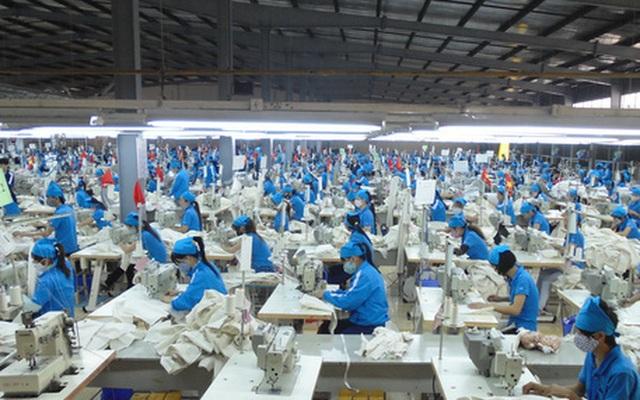 Doanh nghiệp dệt may kêu khổ vì tăng lương liên tục - 2